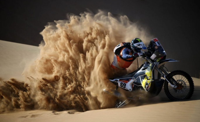 riding up a sand storm